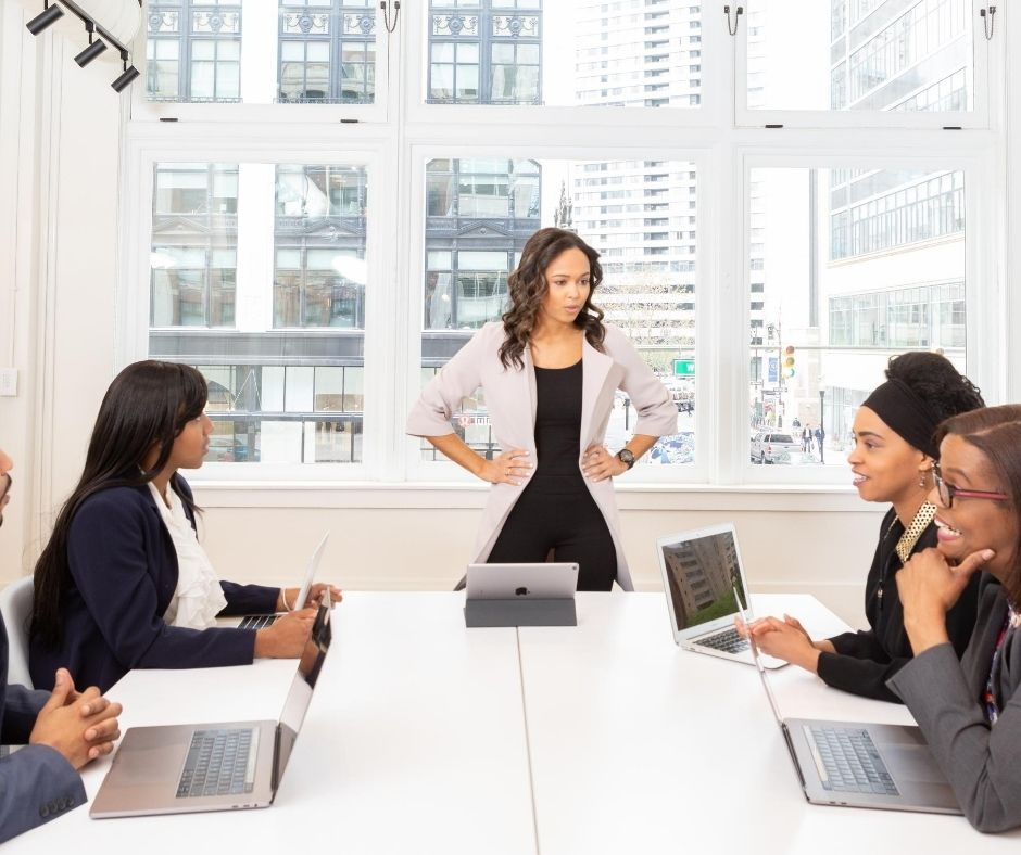How to sell yourself in a meeting